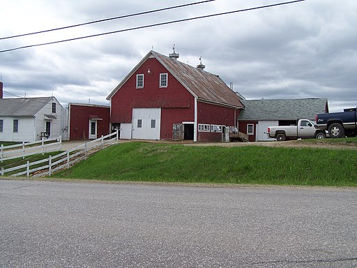 Barn in Whitefield, Maine